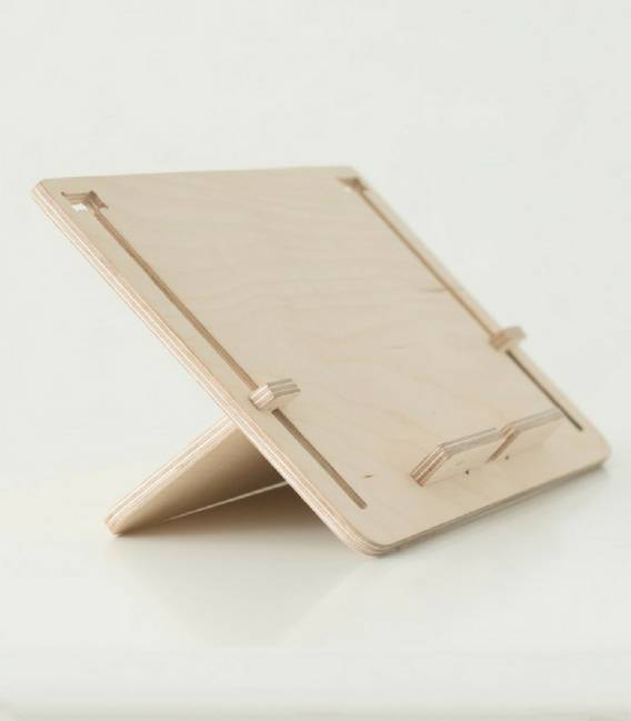DETABLET Tablet stand in Birch Wood