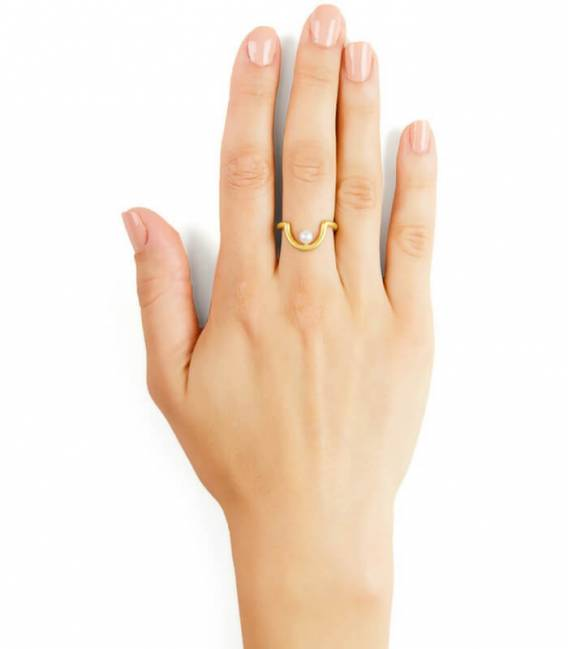 TAK MOUJ ring gold – White pearl