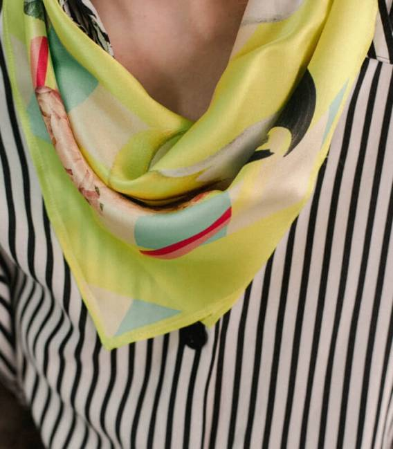 PARROTS & ROSES Silk Scarf