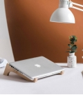 DEBEAM Laptop stand for desk in Birch wood